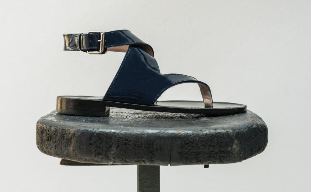 Dorotea sandalia plana Martina azul marino ss18