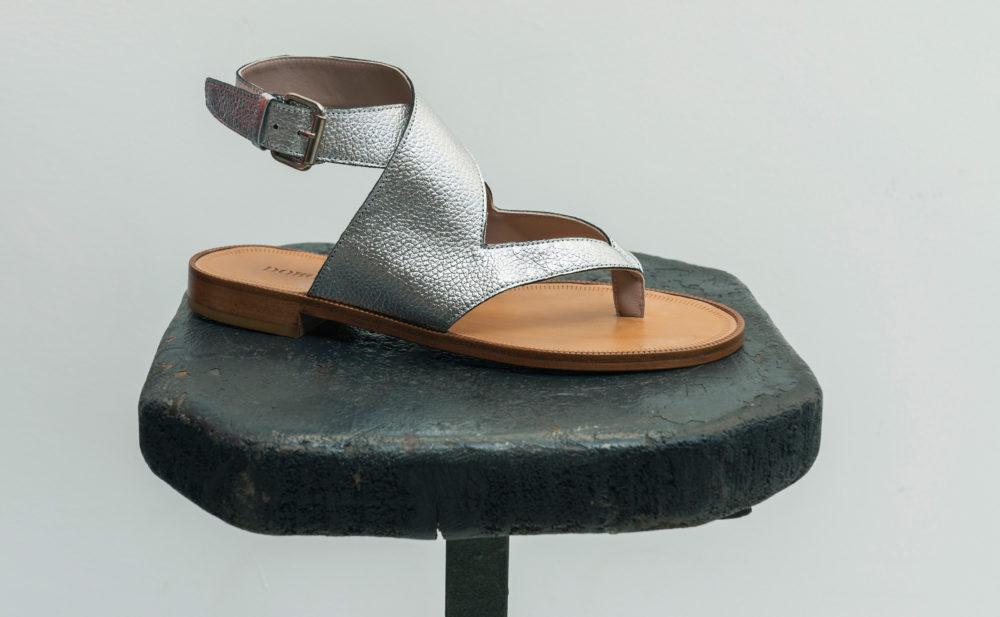 Dorotea sandalia plana Martina plateada ss18