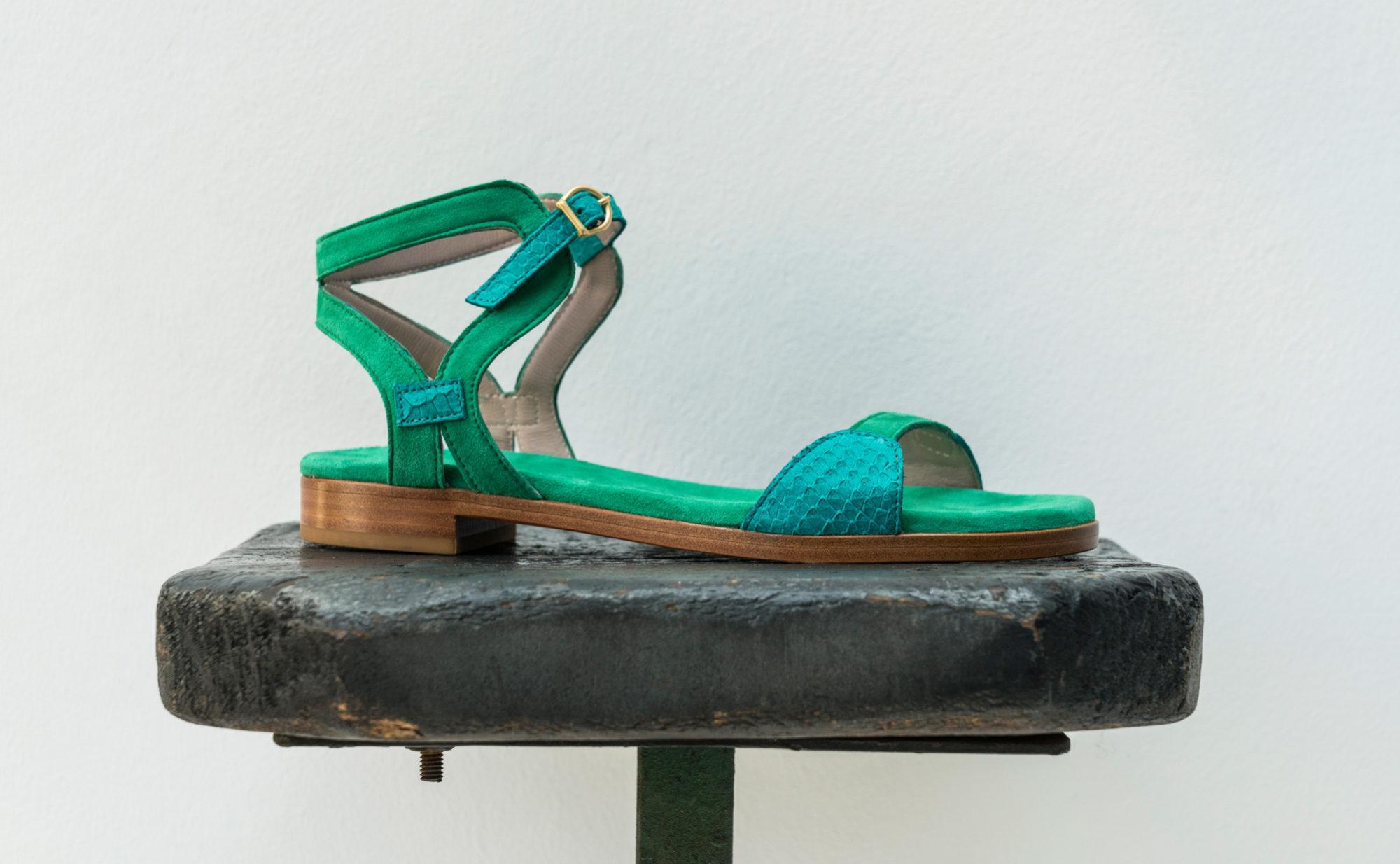 Dorotea sandalia plana Maya turquesa verde ss18