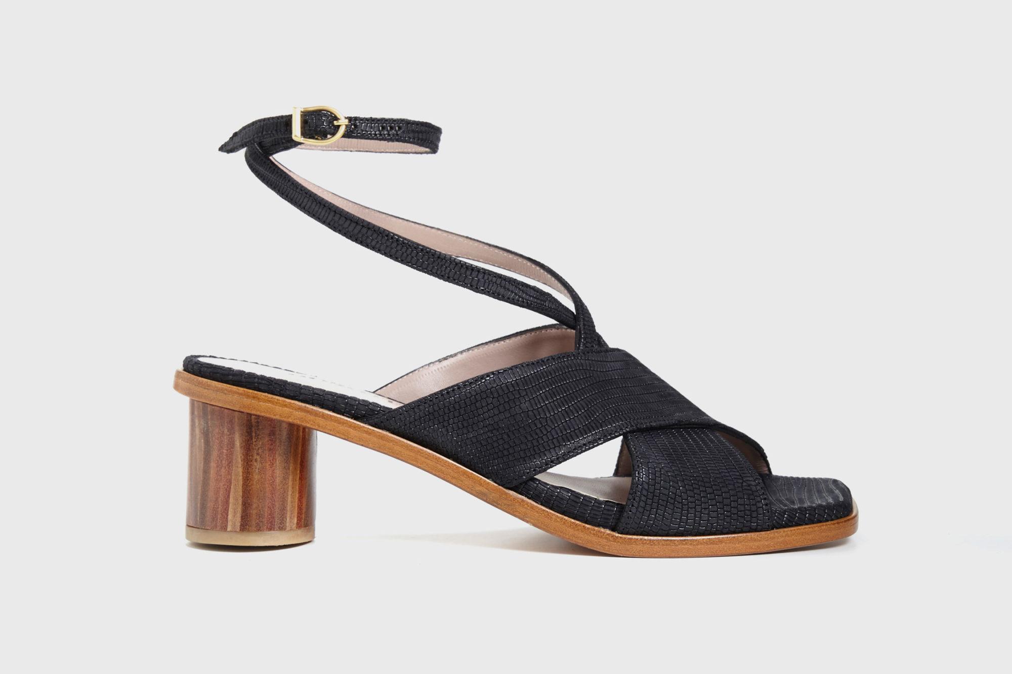 Dorotea sandalia de tacón medio Daphne negra ss17 perfil