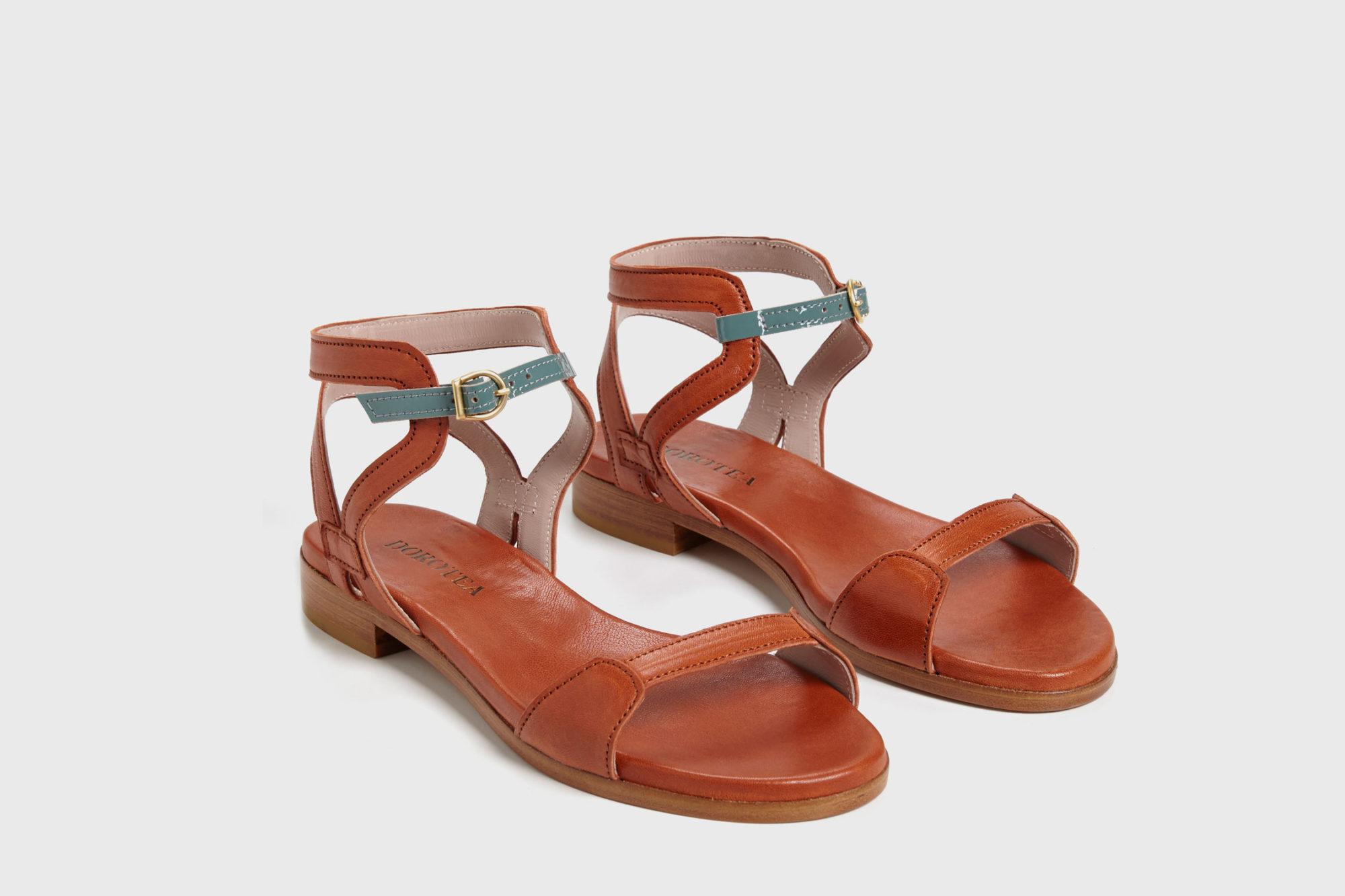 Dorotea sandalia plana Maya cuero ss18