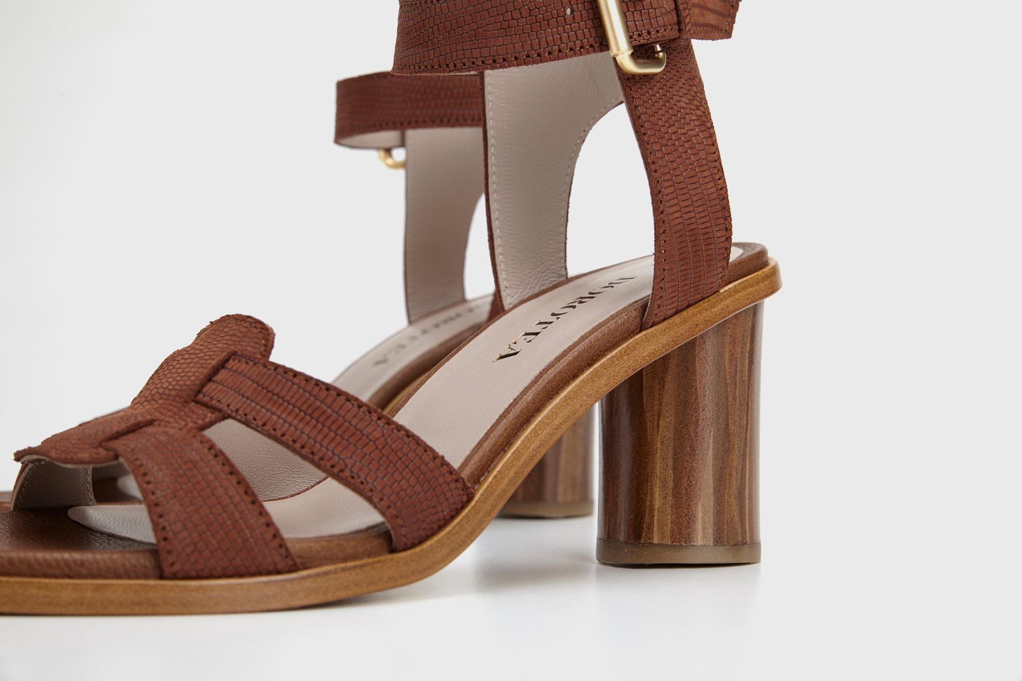 Dorotea sandalia de tacón alto Lianne marrón ss17 detalle