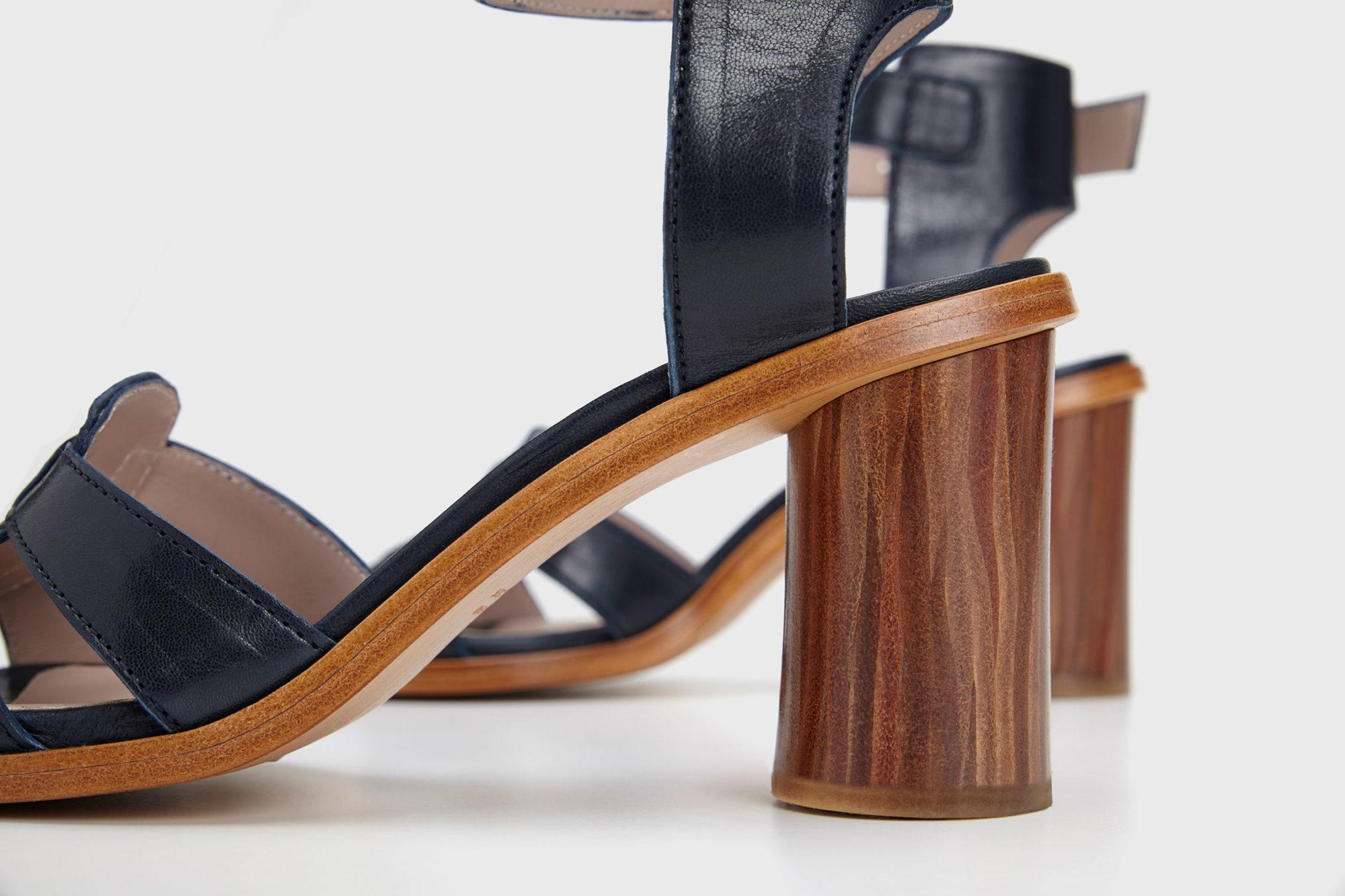 Dorotea sandalia de tacón alto Lianne azul marino ss17 detalle