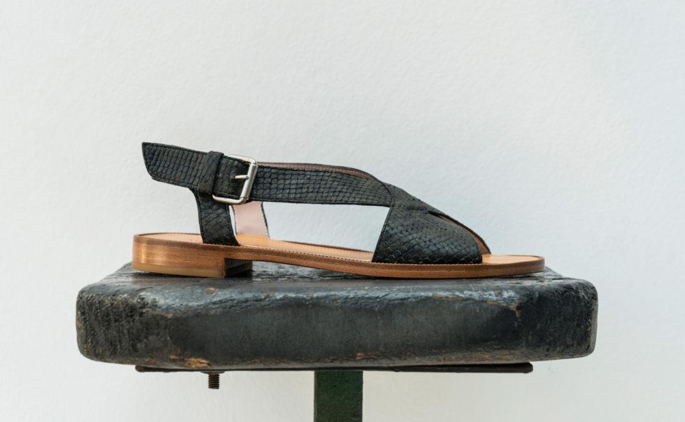 Dorotea sandalia plana Anne kaki ss18