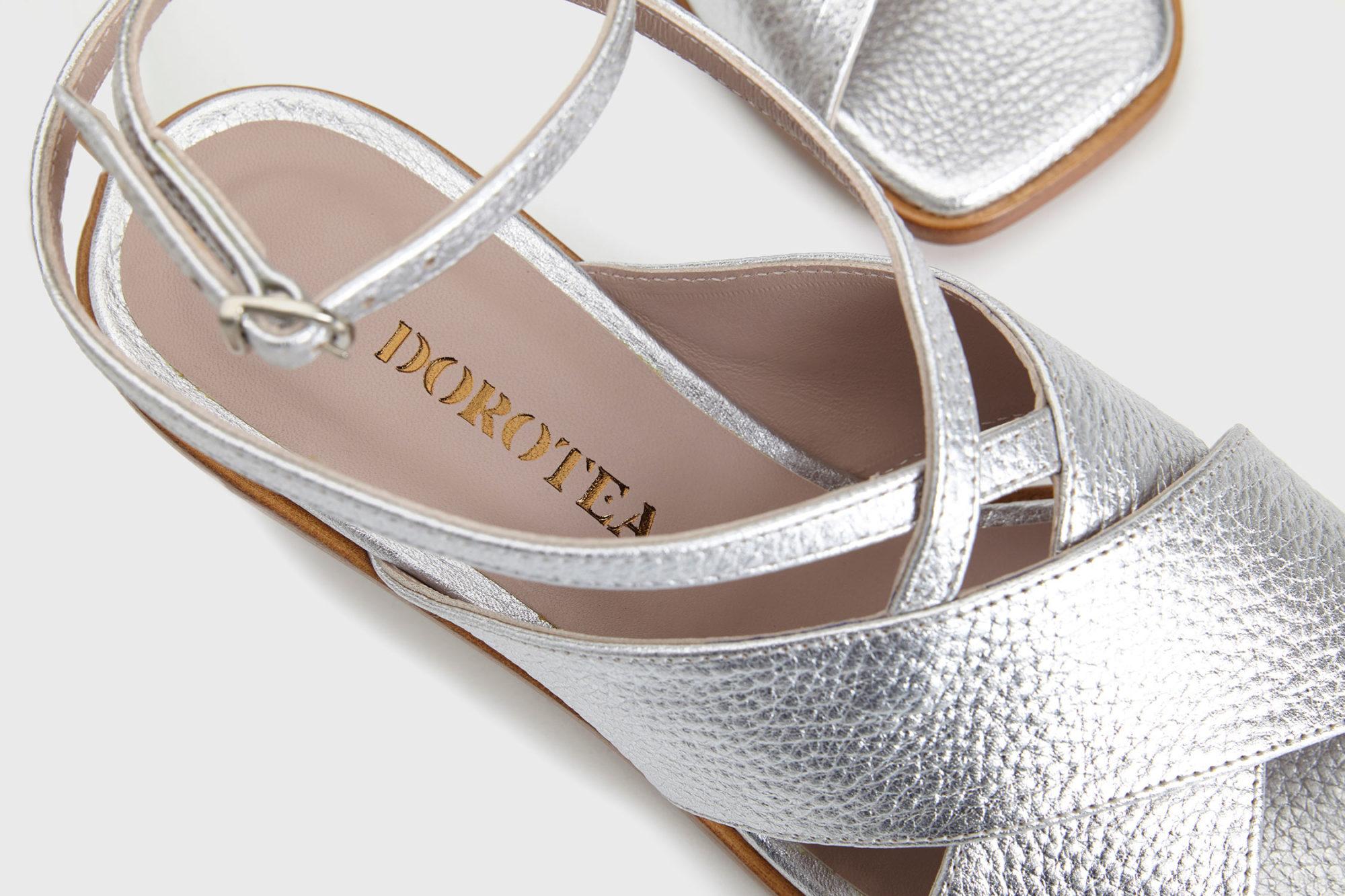 Sandalia de tacón medio Daphne ss17 detalle