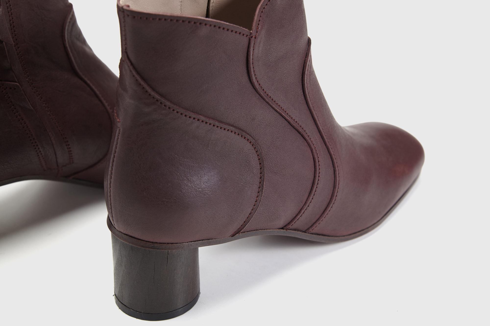 Dorotea botín de tacón medio Caroline color ciruela fw17 detalle