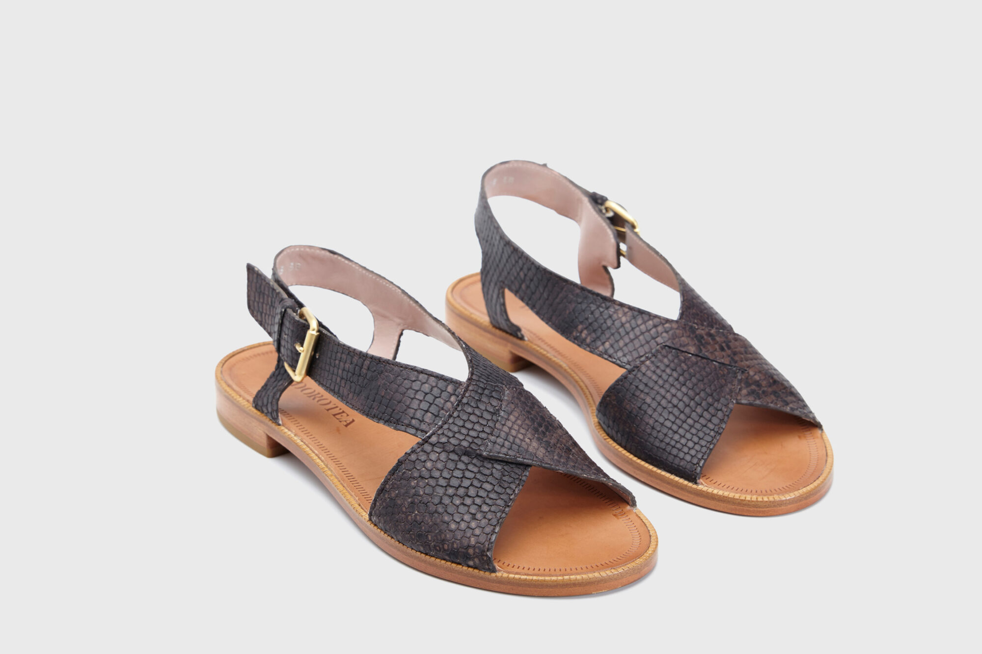 Dorotea sandalia plana Anne kaki ss18 par