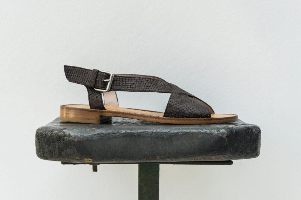 Dorotea sandalia plana Anne kaki ss18 perfil